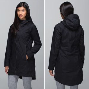 Lululemon Right as Rain jacket size 6 black